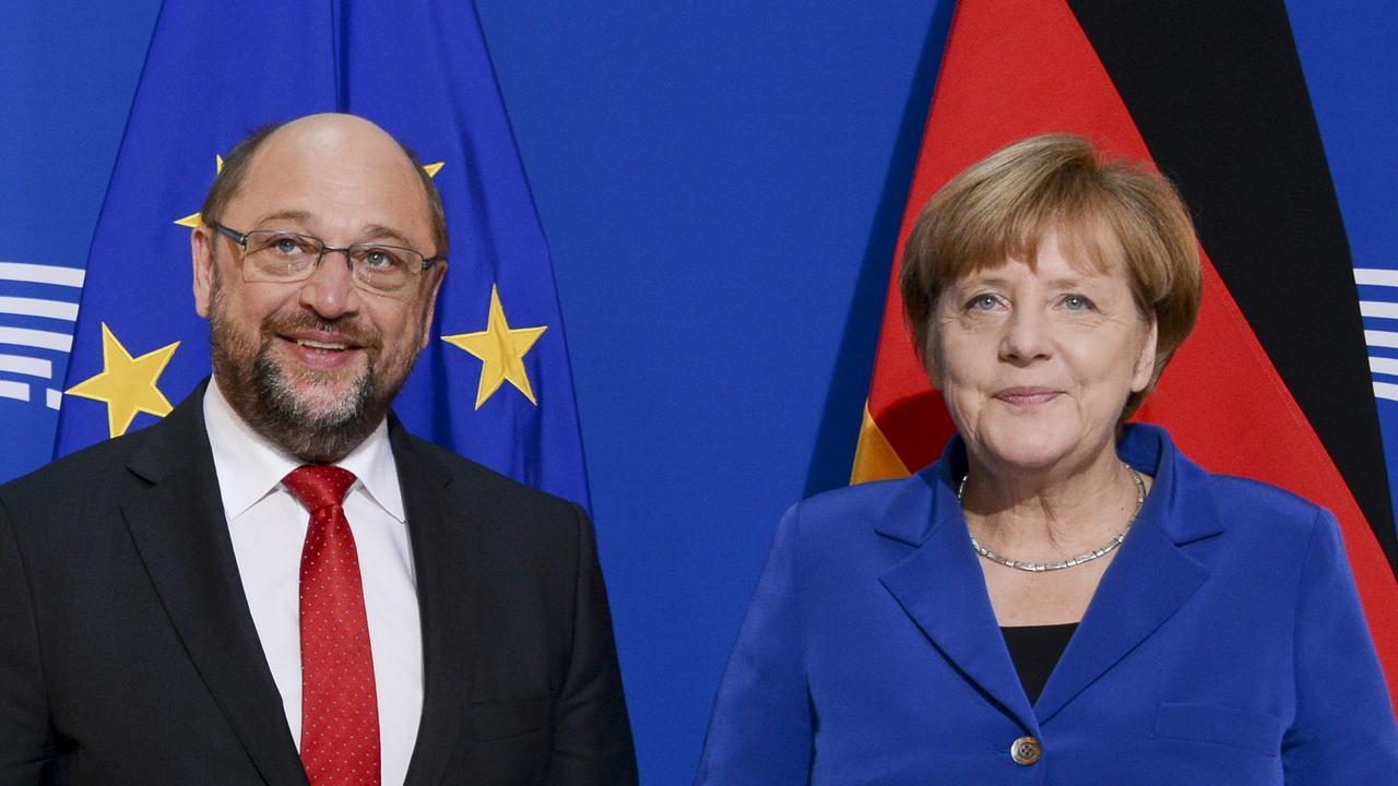 Tysklands förbundskansler Angela Merkel och den socialdemokratiske utmanaren och tidigare EU-parlamentstalmannen Martin Schulz. Arkivbild.