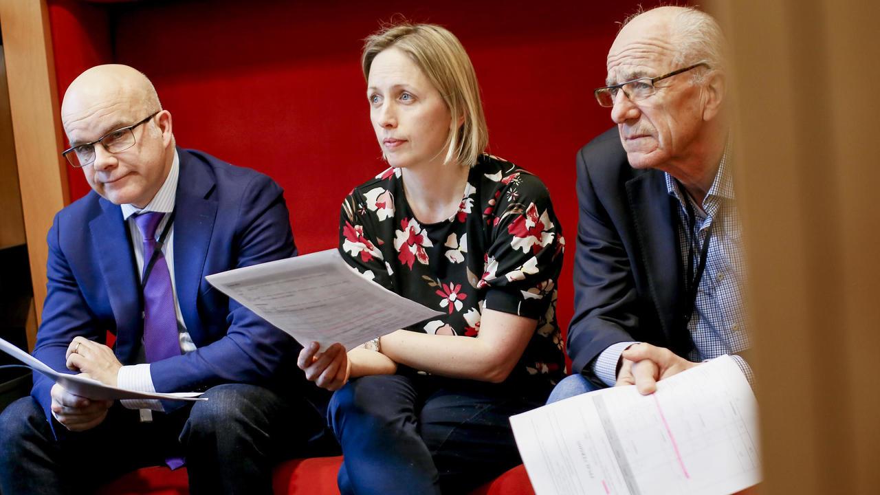 Socialdemokraterna Aleksander Gabelic, Jytte Guteland och Olle Ludvigsson röstade olika i frågan om upphovsrättsdirektivet.