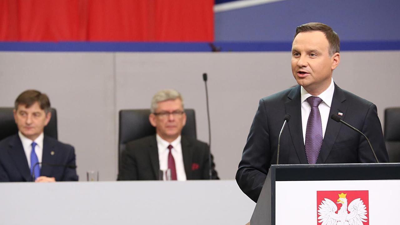 Polens president Andrzej Duda anser att landets författning från 1997 är föråldrad. Arkivbild.
