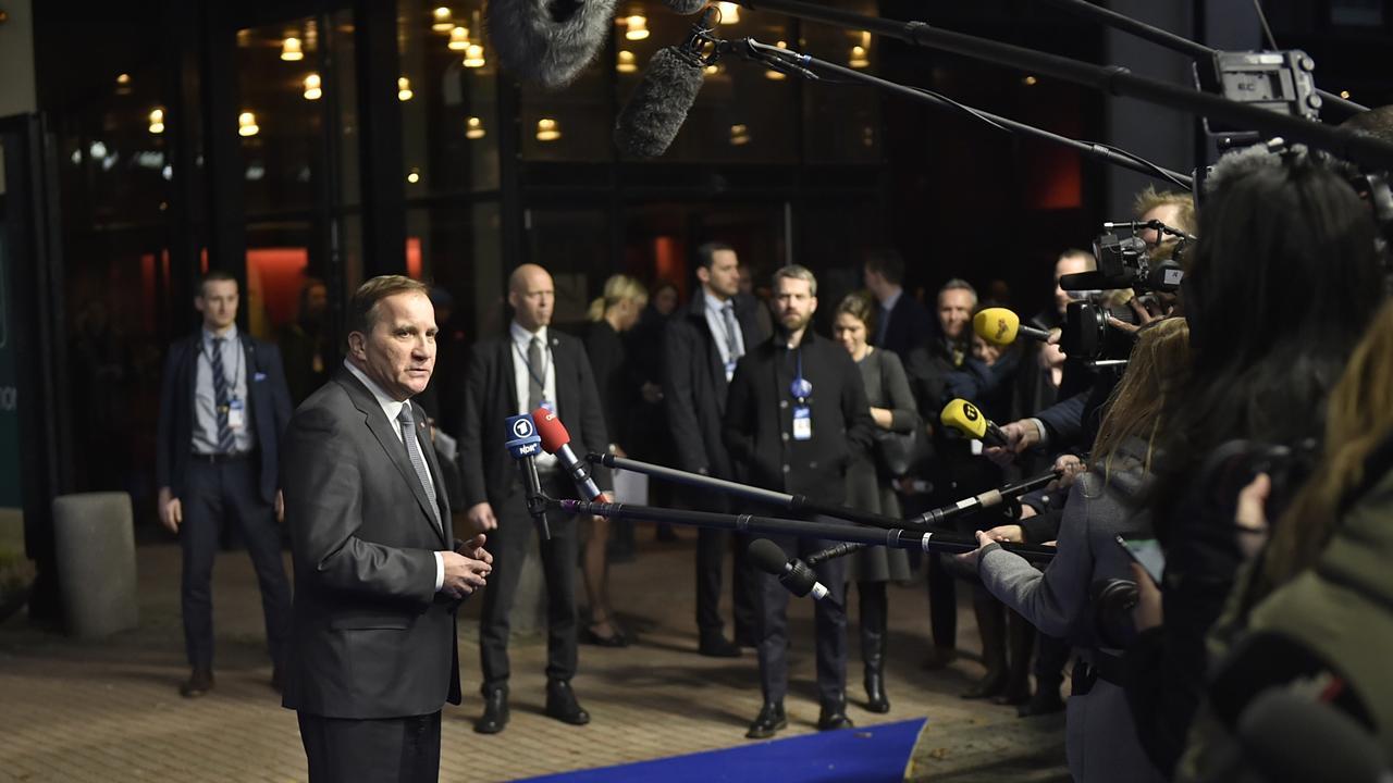 Statsminister Stefan Löfven (S) talar till journalister inför EU-toppmötet i Göteborg.