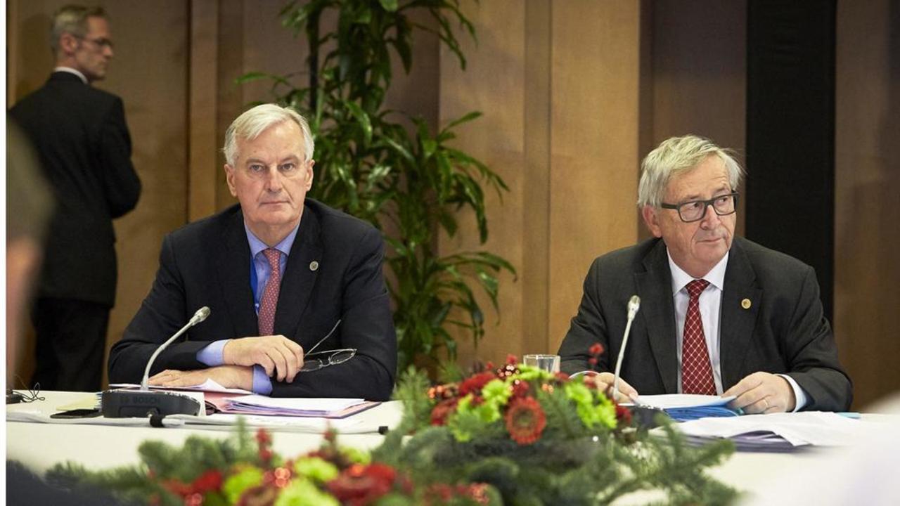 EU:s Brexitförhandlare Michel Barnier med EU-kommissionens ordförande Jean-Claude Juncker.