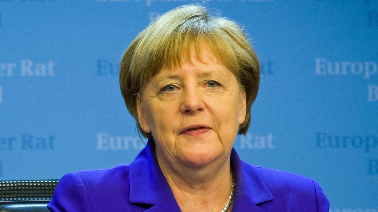 Tysklands förbundskansler Angela Merkel avvisar förslaget dra in EU-bidrag för länder som vägrar ta emot asylsökande. Arkivbild.