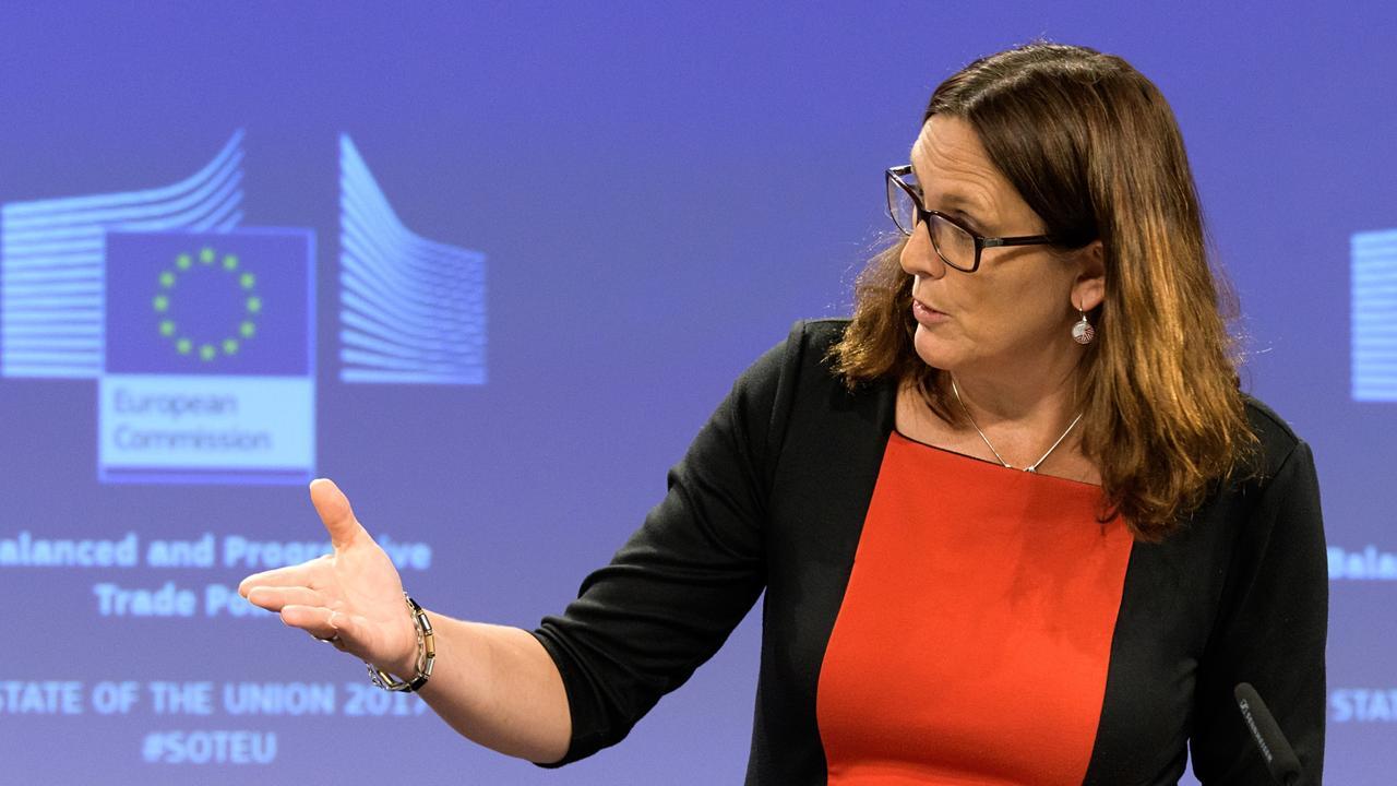 EU:s handelskommissionär Cecilia Malmström vill frihandelsförhandla med Nya Zeeland och Australien.