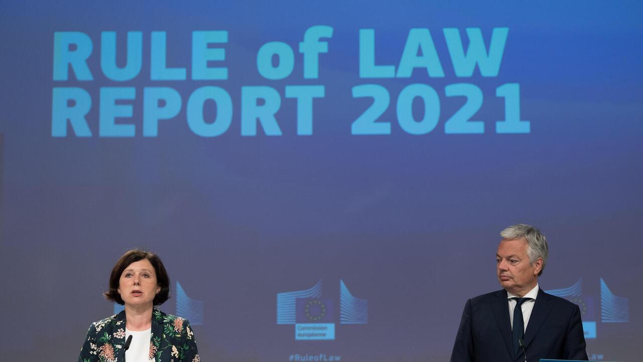 EU-kommissionärer Věra Jourová och Didier Reynders.