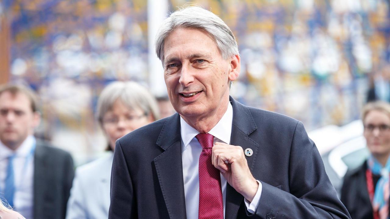 En av de tyngsta konservativa politikerna utanför den brittiska regeringen är parlamentsledamoten och tidigare finansministern Philip Hammond.