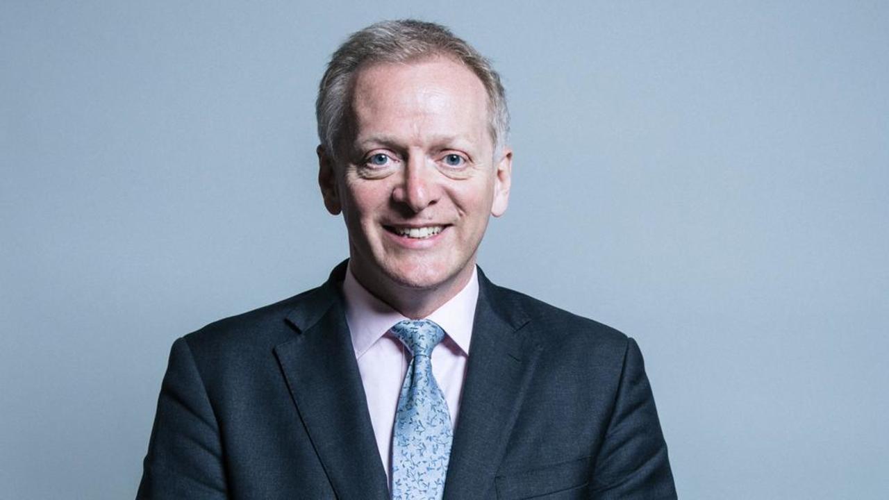 Den brittiske ministern Philip Lee är missnöjd med hur premiärminister May förhandlar om brexit. Bilden har beskurits.