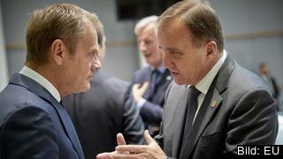 Europeiska rådets ordförande Donald Tusk samtalar med statsminister Stefan Löfven (S). Arkivbild.