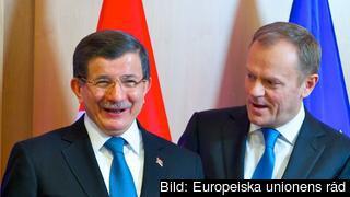 Turkiets premiärminister Ahmet Davutoğlu och Europeiska rådets ordförande Donald Tusk. Arkivbild.