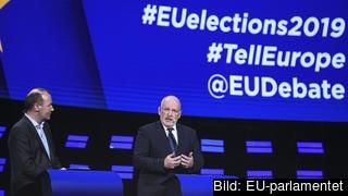 Manfred Weber och Frans Timmermans under den sista tv-debatten inför EU-valet.