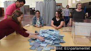 En av alla röstlokaler där européerna lagt sin röst i EU-parlamentet under helgen.