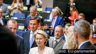 Ursula von der Leyen besöker den konservativa EPP-gruppen i EU-parlamentet, den enda som hittills uttryckt sitt stöd för den tyska försvarsministern som nästa kommissionsordförande. Arkivbild.
