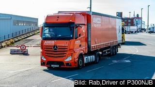 Lastbilar kan bli stående i 2.5 dagar för att deklarera sina varor med omfattande störningar i minst tre månader om Storbritannien lämnar EU utan avtal. Arkivbild.