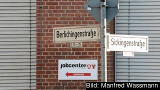 Jobcenter heter de tyska arbetsförmedlingarna.