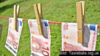 EU-kommissionen får bakläxa när det gäller misstänkta penningtvättländer.