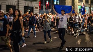 Den polska regeringens ändringar i rättssystemet har flera gånger lett till protester, som här i Warszawa 21 juli i fjol.