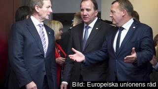 Statsminister Stefan Löfven flankerad till vänster av Irlands premiärminister Enda Kenny och till höger av Danmarks statsminister Lars Løkke Rasmussen under torsdagens EU-toppmöte.