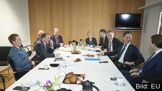 Ledarna för de fyra budgetrestriktiva länderna Sverige, Österrike, Danmark och Nederländerna i samtal med Europeiska rådets ordförande Charles Michel fredagen.