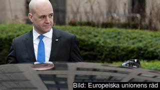 Statsminister Fredrik Reinfeldt på väg in till ett tidigare EU-toppmöte. Arkivbild.