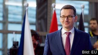 Polens premiärminister Mateusz Morawiecki träffar 8 mars EU-kommissionens ordförande Jean-Claude Juncker. Arkivbild.