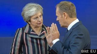 Storbritanniens premiärminister Theresa May i samtal med Europeiska rådets ordförande Donald Tusk. Arkivbild.