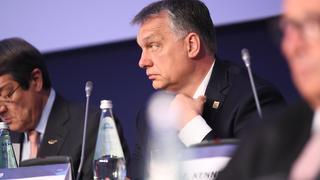 Sverige ställer sig på  EU-kommissionens sida i ett mål mot Ungern. På bilden landets premiärminister Viktor Orbán.