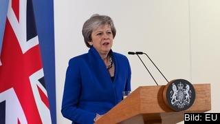Theresa May vill fortsätta vara brittisk premiärminister. Arkivbild.