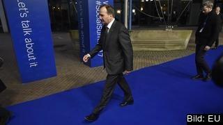 Statsminister Stefan Löfven (S) kommer få lämna möteslokalen när euroländernas ledare disktuerar EMU:s framtid.