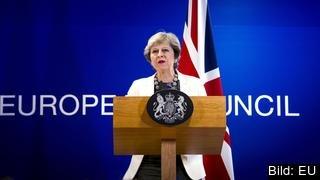 Storbritannien måste ge mer innan EU börjar prata om den framtida relationen med landet.