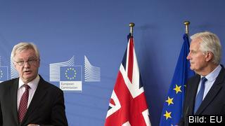 De två chefsförhandlarna för Storbritannien David Davis och för EU Michel Barnier.
