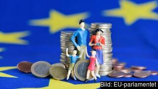 En familj och en trave euromynt