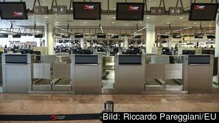 Tomma incheckningsstallar på Bryssels flygplats. Arkivbild.
