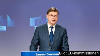 – SURE-initiativet har haft stor betydelse för människors möjligheter att behålla sina jobb och företagens förmåga att hålla sig flytande under krisen, säger EU-kommissionens verkställande vice ordförande Valdis Dombrovskis.