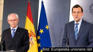 Europeiska rådets ordförande Herman Van Rompuy och Spaniens premiärminister Mariano Rajoy under torsdagens presskonferens.