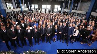 EU:s stats- och regeringschefer tillsammans med fack och arbetsgivare och andra ur det civila samhället träffades i Göteborg för att diskutera villkor på arbetsmarknaden och andra social frågor.