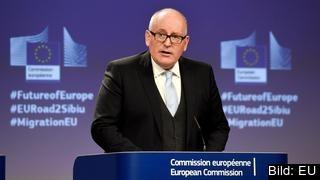 Migrationstrycket kommer vara kvar under generationer och alla måste ta ansvar sade EU-kommissionens vice ordförande Frans Timmermans.