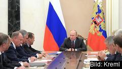 Rysslands president Vladimir Putin under ett möte med det nationella säkerhetsrådet. Arkivbild.