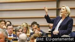 Ledaren för franska Nationell samling Marine Le Pen. Arkivbild.