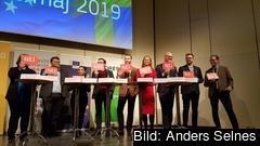 Samtliga partier i Europaparlamentet var representerade i fredagens EU-valsdebatt i Stockholm. På bilden visar de sin inställning till en framtida EU-armé.