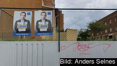 Valaffischer vid Hovsjö Centrum, Södertälje. Valdeltagandet i Hovsjö Södra var 17,8 procent och Hovsjö Norra 20,3 procent.