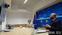 EU-kommissionens ordförande Ursula von der Leyen och Europeiska rådets ordförande Charles Michel i en tidigare videokonferens. Arkivbild.