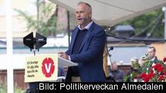 En kamp om storleken på EU-motståndet väntar Vänsterpartiets ledare Jonas Sjöstedt (V) i helgen