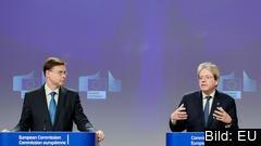 EU-kommissionärerna Valdis Dombrovskis, en konservativ lett, och Paolo Gentiloni, en socialdemokratisk italienare.