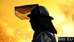 USA:s ståltullar väntas stoppa all amerikansk import. EU förbereder motåtgärder.